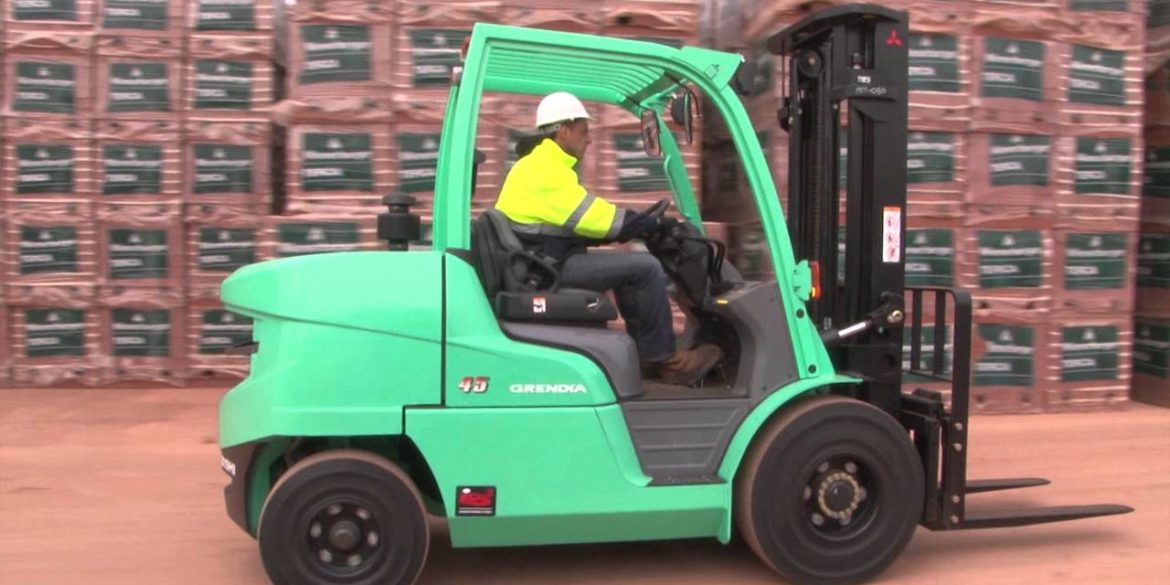 5 Things to Look In A Company When Hiring a Forklift Truck